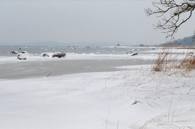 В Удмуртии спасли мужчину, уснувшего на льду реки Чепца