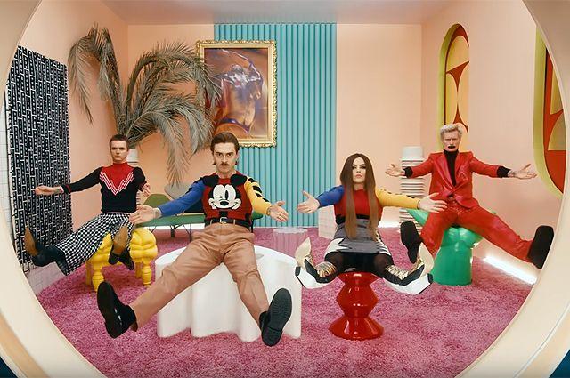Песню «Uno» музыканты презентовали в минувший четверг в программе «Вечерний Ургант».