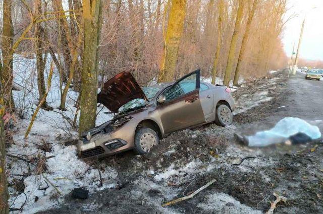 Водитель иномарки погиб под Ижевском в ДТП при попытке обгона
