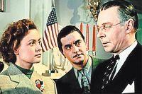 Кадр из фильма «Прощай, Америка!» с участием Лилии Гриценко и Юрия Любимова по мотивам книги Аннабеллы Бюкар «Правда об американских дипломатах».