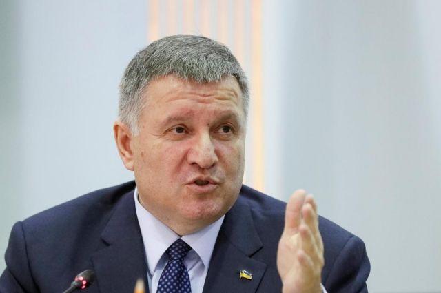 «Из Украины пытались вывезти полторы тонны медицинских масок», - Аваков