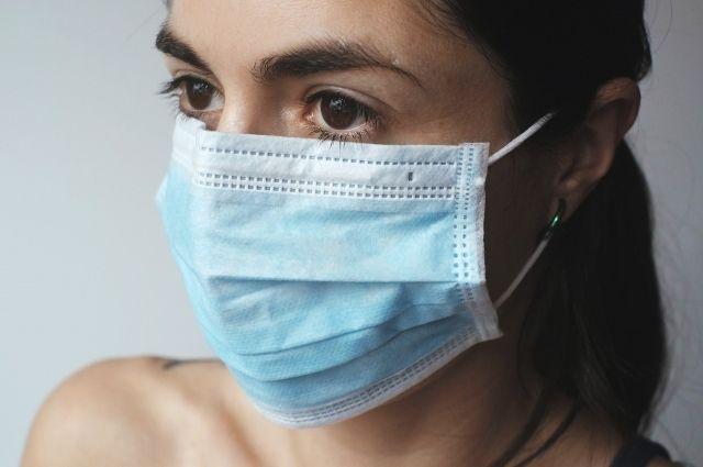 13 марта Минтербезопасности призвал жителей надевать защитные маски в общественных местах.