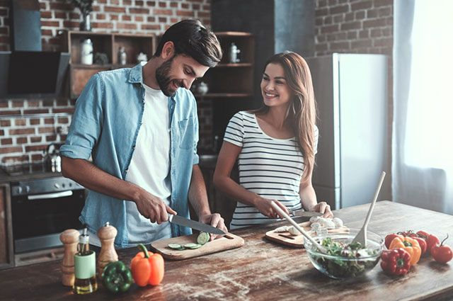 Как устроить романтический ужин? Рецепты простых блюд для мужчин