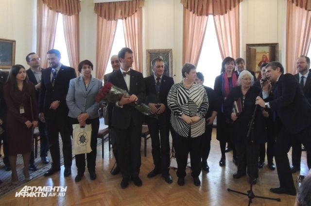 Руководители ведущих музеев России поздравили оренбургских музейных работников с 60-летием одного из главных учреждений культуры Оренбуржья.