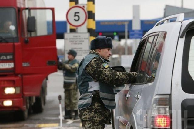 Массовая «депортация»: в Польше открыли границу для украинцев