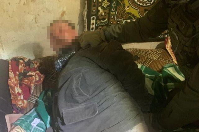 В Луганской области мужчина стрелял в магазине: пострадала продавщица