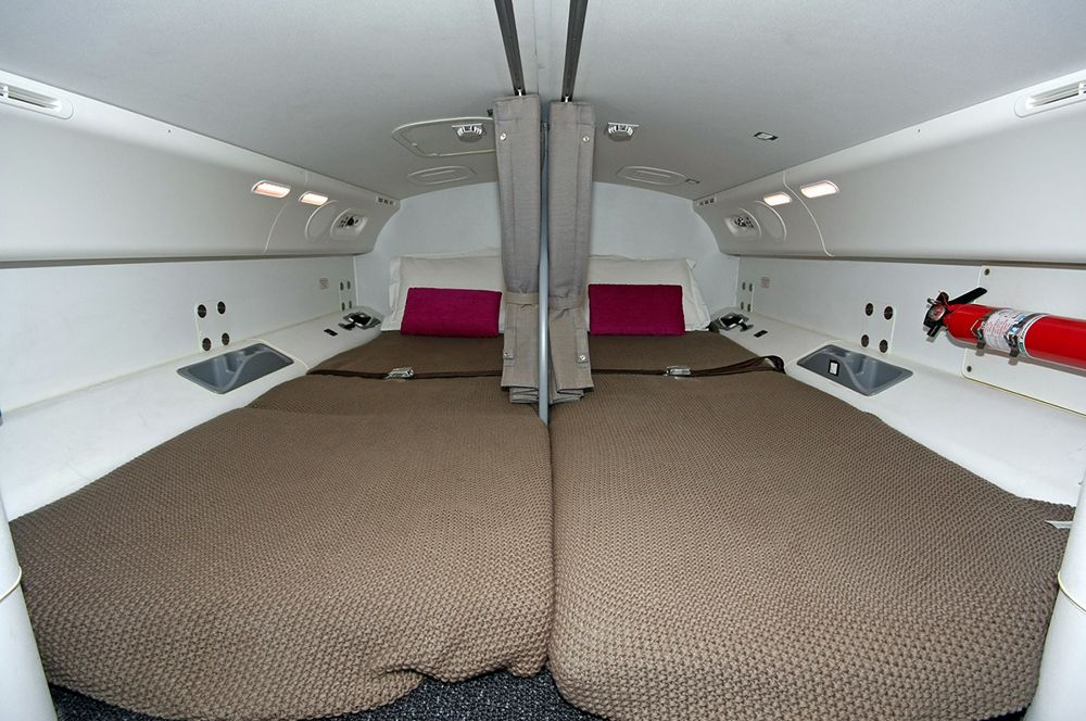 Спальные места для летного экипажа в Boeing 787.