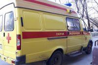 На улице Полякова в Тюмени столкнулись Chevrolet и Volkswagen Golf