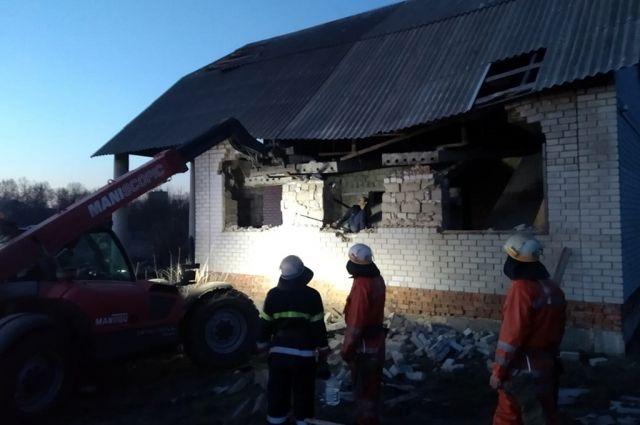 В Днепропетровской области ребенка раздавило бетонной плитой