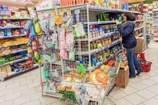 В супермаркетах Новосибирска, а также на продовольственных рынках запасов продуктов первой необходимости достаточно.