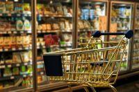 Россияне скупают практически все товары в продуктовых магазинах