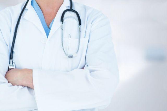 Доктор из Мариинской больницы допустил ошибку во время операции.