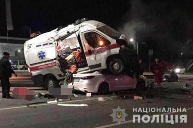 В Виннице машина скорой помощи попала в ДТП: пять человек травмированы