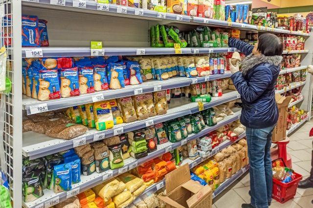 В правительстве Оренбуржья заявили, что региону не грозит дефицит продуктов.