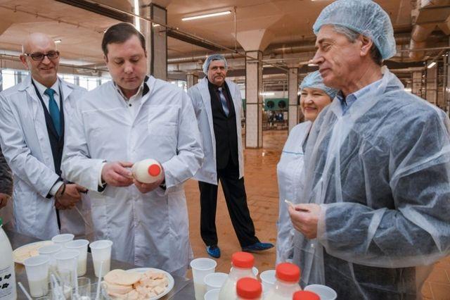 Руководство комбината обещает, что молочная продукция от «Росы» появится на прилавках магазинов в ближайшее время.