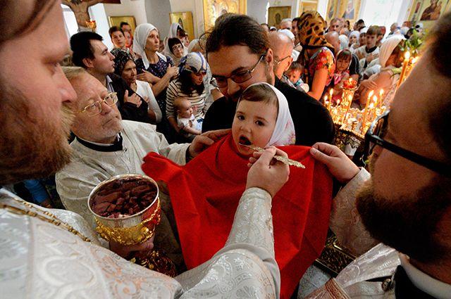 Храмы для верующих открыты, все священные обряды проводятся, как и прежде.