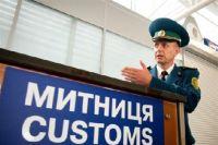 За взятку волынские таможенники пропускали пассажиров и товар через границу