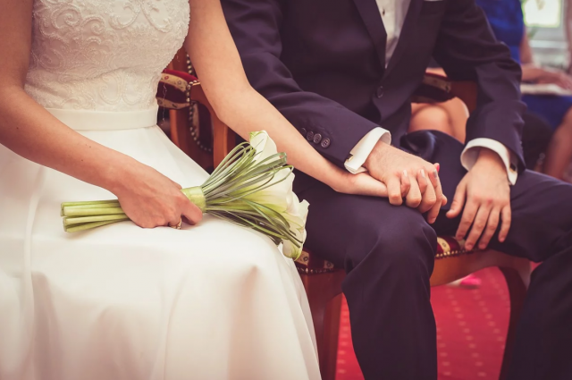 Тюменцам рекомендуют ограничить число гостей на свадебных церемониях