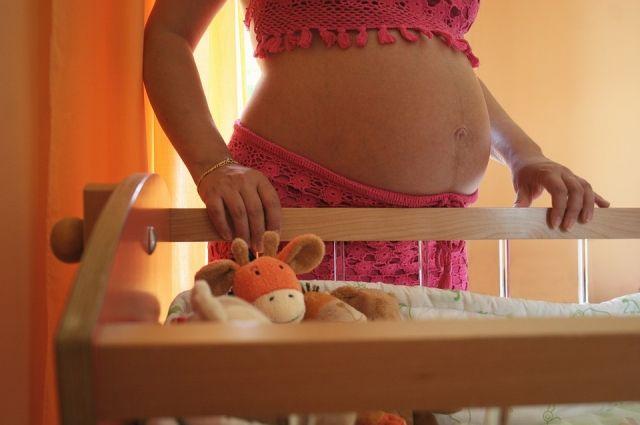 В Оренбуржье заведующая детсадом фиктивно устроила на работу беременную.