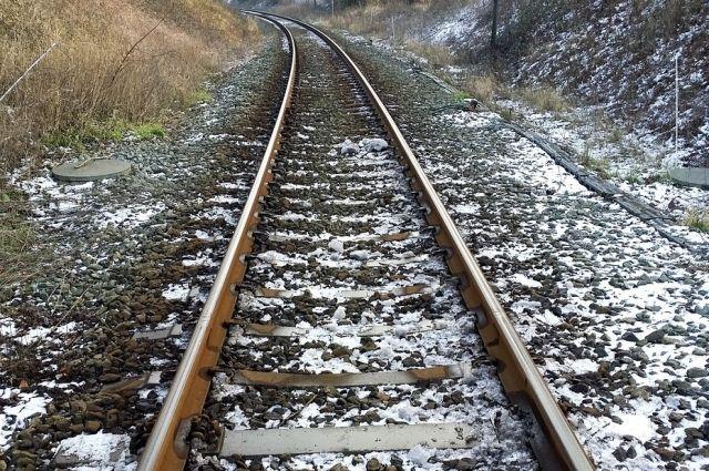 В Оренбурге камнепад перегородил детскую железную дорогу