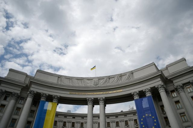 На карантине за рубежом находятся 38 украинцев, - МИД