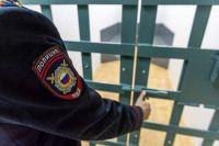 После экзекуции мигранты сбежали, но их оперативно поймали полицейские.