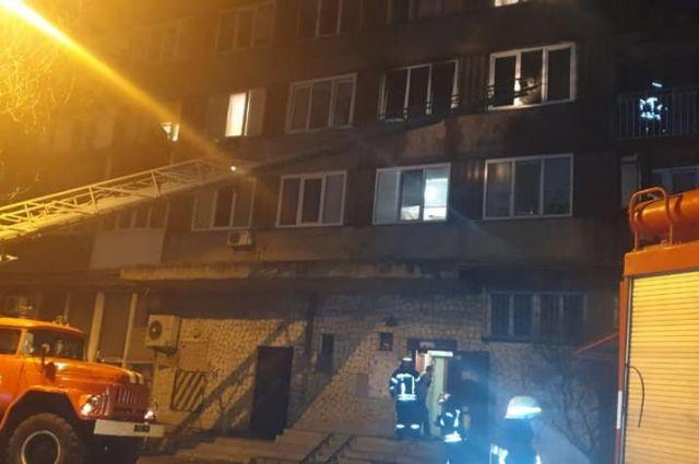 В Киеве произошел пожар в многоэтажке: погибли два человека
