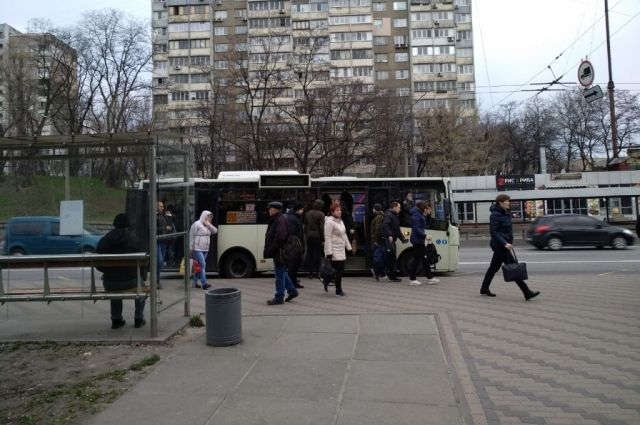 В Киеве запустили 200 дополнительных маршруток