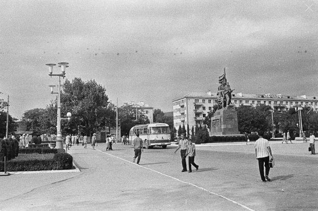 Новороссийск, 1970 год. Эпидемию огласке не предавали, и потому на жизни большинства она не отразилась.