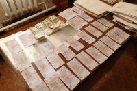 В Днепропетровской области полицейские продавали разрешения на оружие