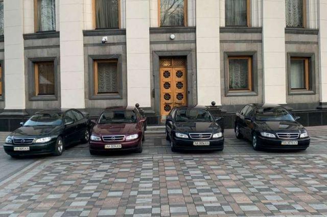 В столице некоторые врачи будут ездить на работу на авто Верховной Рады