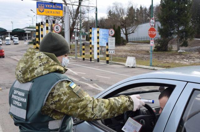 Границу Украины за сутки пересекли 28,9 тысяч человек