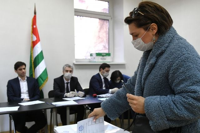 ЦИК Абхазии признал выборы президента республики состоявшимися