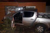 В  Сорочинске водитель иномарки протаранил жилой дом.