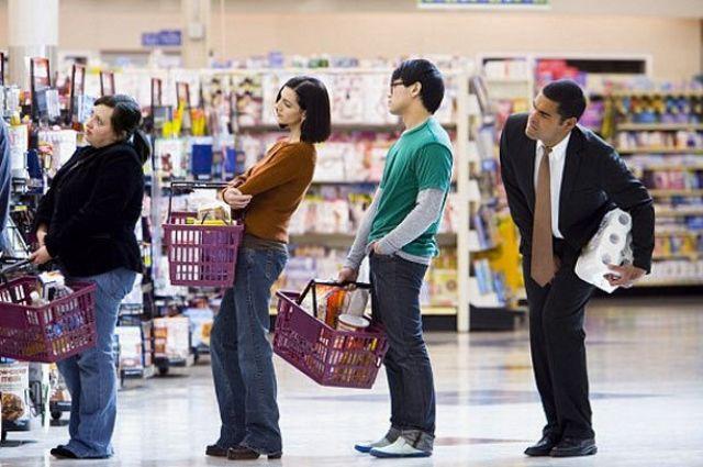С 25 марта изменятся правила посещения аптек и продуктовых магазинов