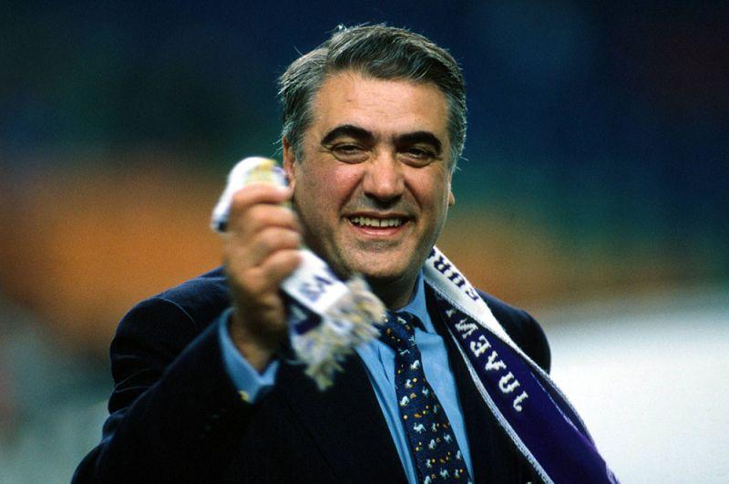Лоренсо Санс. Первой звездной потерей по причине коронавируса стал экс-президент «Реала» Лоренсо Санс, при котором клуб сумел впервые за 32 года выиграть Лигу чемпионов. Сансу было 76 лет.