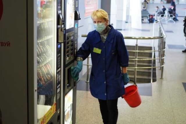 На железнодорожном вокзале каждые два часа проводят санитарную обработку