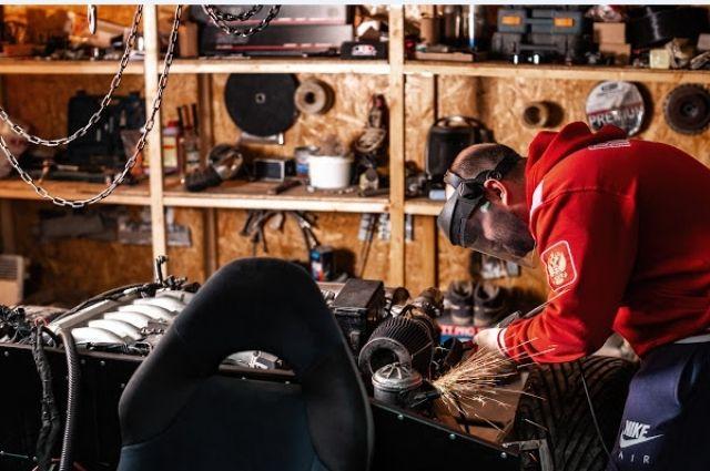 Спорткар своими руками. Тюменец собирает в гараже копию «Ламборгини»