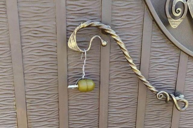 В Харьковской области мужчина обнаружил на воротах своего дома гранату