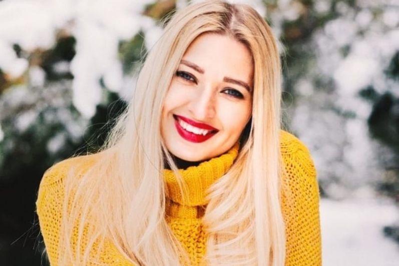 6.Анастасия Ипатова живёт в Перми, работает администратором торгового зала в компании CITI. Хобби: спорт, блог в инстаграм.