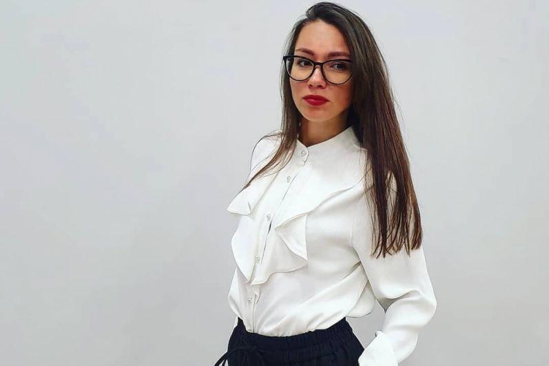 17.Александра Рогачева живёт в Перми, работает специалистом в «Актив Финанс Групп». Хобби: спорт, фитнес.