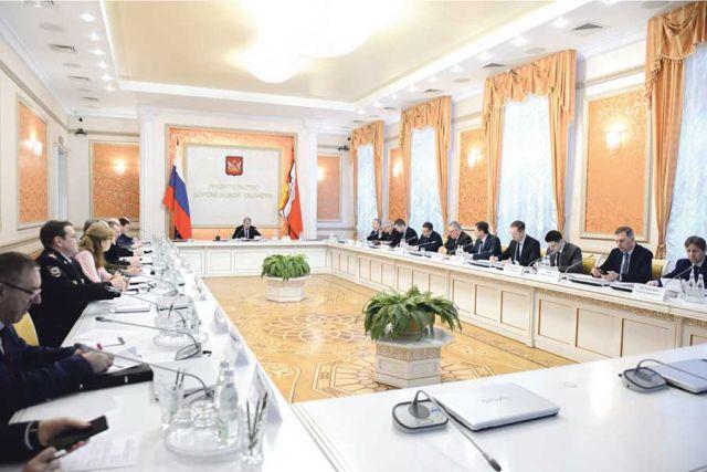 На заседании оперативного штаба профильные руководители  отчитались о проделанной работе.