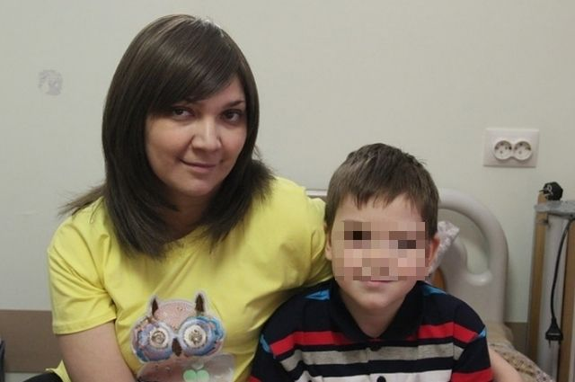Айгуль с сыном Амиром.