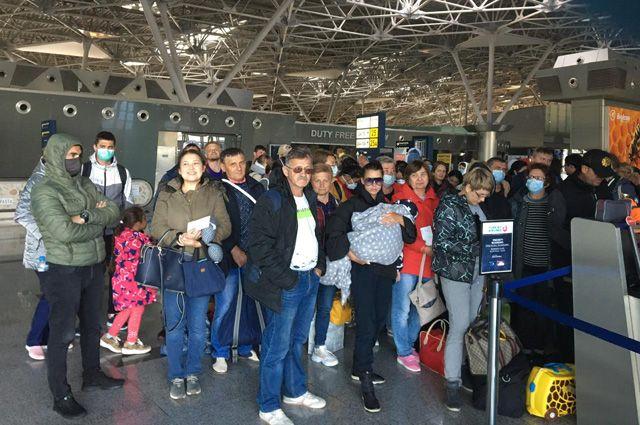 23 марта в аэропорту Внуково перед вылетом спецборта в Нур-Султан.