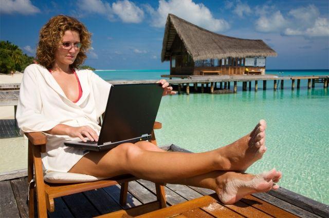 Среди работников «наудаленке» практически равное количество тех, кому в целом стало легче работать из дома  и, напротив, сложнее.