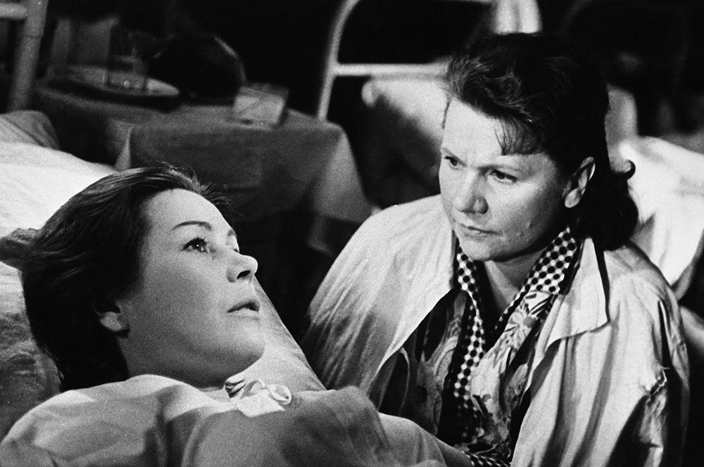 «Женщины», 1966 год. В ролях: Инна Макарова (слева) и Нина Сазонова.