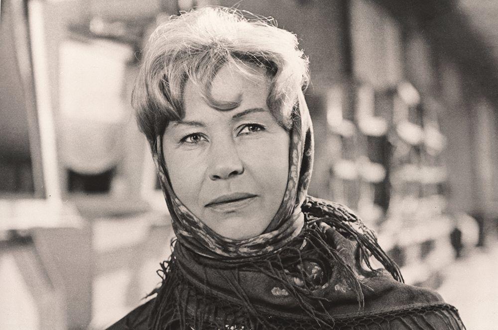 «Русское поле», 1971 год. В роли Марии Сергеевны Соловьёвой.
