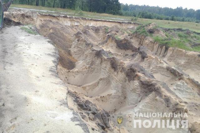 В Житомирской области незаконно добыли песка на 51,7 млн гривен