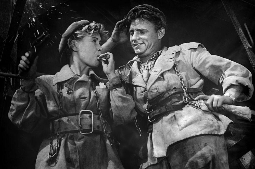 «Высота», 1957 год. Катя Петрашень - артистка Инна Макарова, Николай Пасечник - артист Николай Рыбников.