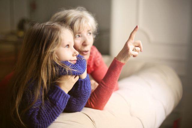 Бабушка против. Как убедить пожилого родственника не выходить на улицу